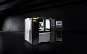Robonano ist ein fünfachsiges Bearbeitungszentrum für die ultrapräzise Bearbeitung von Freiform-Oberflächen mit einer Sollwertauflösung von 0,1 nm. (Foto: Fanuc)