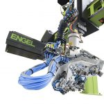Engel: Belastungsabhängige Geschwindigkeit jetzt auch für Drehbewegungen von Roboterhandachsen