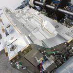 Die Entformung von komplexen PUR-Formteilen aus komplexer Werkzeugtechnik, wie bei dem dargestellten eigenverriegelten Schäumwerkzeug von Frimo, soll zukünftig ohne Trennmittel erfolgen können. (Foto: Frimo)