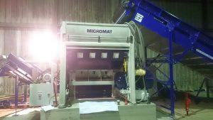 Der Ballenauflöser Micromat 2000 BW schafft die Voraussetzung für die weitere optische Sortierung. (Foto: Lindner)