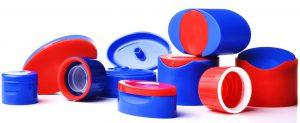 Die beiden Teile des Disc-Verschlusses für Shampoo-Flaschen werden in einer gemeinsamen Form gespritzt und montiert und fallen als einbaufertiges Produkt. (Foto: Gramß)