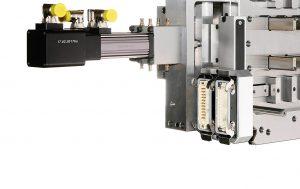 Formnahe Anschlüsse für Medien und elektrische Anschlüsse, Zusammenspiel der bewährten Komponenten Free Flow Düse, Syncro Valve Antrieb, VLD Motor und VDC Regelungstechnik. (Foto: Heitec)