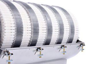 In der KH214-KE300 sorgen flexible Aluminium-Kühlelemente für eine deutliche Erhöhung der Luft-Kühlleistung. (Wema)