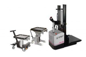 Die Wechselwagen für Werkzeuge bis zu 500 kg (l.) und 1.000 kg (M.) lassen sich manuell oder mithilfe eines optionalen Hilfsantriebs verfahren. Den Geh-Hubwagen (r.) für besonders schwere Werkzeuge gibt es bis 1.600 kg Traglast. (Foto: Roemheld)