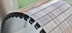 Eine spezielle Materialentwicklung ermöglicht es, flexible Teile im IML-Verfahren herzustellen. (Foto: Fischer)