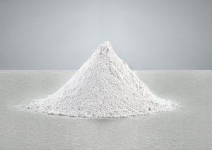 Mineralische Füllstoffe können Polymersystemen zusätzliche funktionelle Eigenschaften verleihen. (Foto: Quarzwerke)