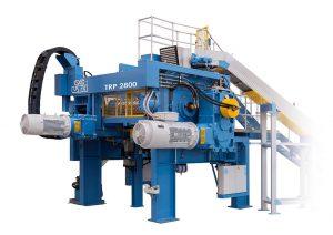 Das neue TRP Reworker System dient der wirtschaftlichen Aufarbeitung von Rückläufermaterialien in der Reifenproduktion. (Foto: Uth)