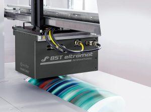 Color DataPreparation vereinfacht das Einrichten der Inline-Spektralfarbmessung iPQ-Spectral. (Foto: BST eltromat)
