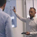 Projekt-Workshop mit Ralf Anderhofstadt (CSP 3D-Druck – Daimler Buses) und Additive Minds. (Foto: Daimler Buses, EOS)