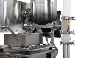 Bei Bedarf werden die Coperion K-Tron Dosierer für die Zuführung der Rohmaterialien in den ZSK-Extruder staubdicht ausgeführt. (Foto: Coperion)