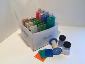 Finke zeigt eine Reihe von Fibaplast-Masterbatchen zur Einfärbung von Biokunststoffen. (Foto: Finke)