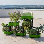 Kunststoff-Cluster: Platzsparendes Balkon-Hochbeet aus Recycling-Kunststoff