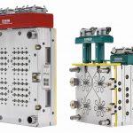 Kompakte 64-fach Heiße Seite mit Mikro-Verteilertechnik (l.) und 4-fach Kaltkanalsystem Coolshot (r.). (Foto: Ewikon)