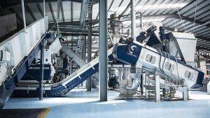 Der Zerkleinerer und die Waschkomponenten von Lindner sorgen für das ideale Korn für den anschließenden Extrusionsprozess. (Foto: Lindner)