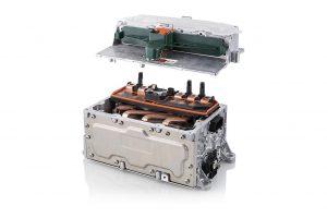 Das hitzebeständige LSR eignet sich gut zur Überbrückung von Toleranzen und damit für Batterietechnik im Bereich der E-Mobilität. (Foto: Pöppelmann)