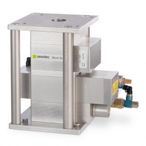 Die Systeme Protector 40 Primus+ dienen zur Dektektion von Metallverunreinigungen im Granulat. (Foto: Sesotec)