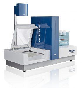 Automatisiertes Leuchttischsystem zur offline Inspektion und Analyse von Kunststoffmaterial. (Foto: Sikora)