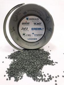 In einem Vorprojekt wurde der Speiseöl-Sammelbehälter Öli aus 100 % Post-Consumer-Rezyklat entwickelt. (Foto: TCKT)