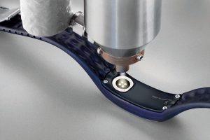 Die Beschichtung Plasma-SealTight erzeugt einen mediendichten Haftverbund und schützt so empfindliche Elektronikbauteile zuverlässig. (Foto: Plasmatreat)