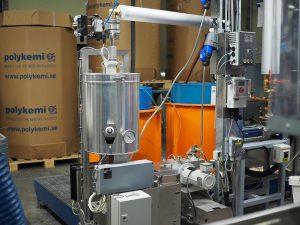 Das Mehrfachdosiersystem der neuen Produktionslinie ermöglicht die Herstellung der unterschiedlichsten hochqualitativen Materialien, wie beispielsweise auch Compounds mit Flammschutz. (Foto: Polykemi)