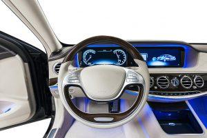 Zukünftige Fahrzeuginnenräume werden dem Fahrer ein besseres sensorisches Erlebnis mit weniger Tasten und Schaltern bieten. (Foto: Sumitomo (SHI) Demag)