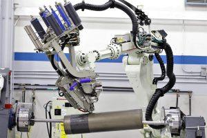 Trelleborg Sealing Solutions fertigt seine anspruchsvollen Bauteile aus Verbundwerkstoffen mit einer vollautomatisierten AFP-Anlage. (Foto: Trelleborg)