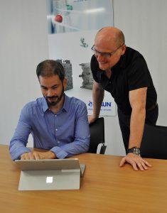 Braunform-Vertriebsleiter Timo Steinebrunner (l.) und Gernot Dufner, Geschäftsführer der Dufner.MDT GmbH. (Foto: Braunform)