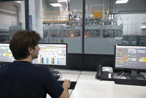 Die neuen Module sind sowohl von Brückner Servtec als auch von Brückner Maschinenbau erhältlich und unterstützen Anlagenbetreiber über den gesamten Lebenszyklus einer Folienreckanlage. (Foto: Brückner Servtec)