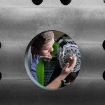 iQ melt control schont sowohl das zu verarbeitende Material als auch die mechanischen Komponenten der Plastifiziereinheit. (Foto: Engel)