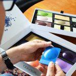 Colour Vision ist ein dem Zeitgeist folgendes Farbkonzept, das in Form von Kunststofflinsenplatten innovative Farben, Effekte und Oberflächen in ausgesuchten Polymeren darstellt. (Foto: Gabriel-Chemie)