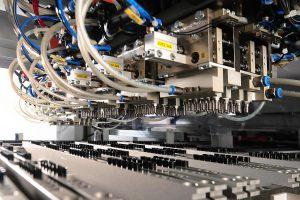 Hekuma hat mit Hekutip ein reinraumtaugliches System entwickelt, welches alle relevanten Anforderungen an die Produktion von Pipettenspitzen bündelt. (Foto: Hekuma)