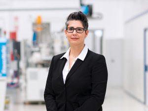 Nadine Despineux, Präsidentin des Segments DSS, schafft laut KraussMaffei digitale Weltneuheiten im Kunststoffbereich. (Foto: KraussMaffei)