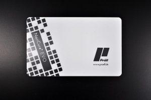NoriCure EVO ist eine neue UV-härtende laminierbare Siebdruckfarbe, die speziell für die Herstellung von PC und PVC-Laminat-Kunststoffkarten sowie Ausweisdokumenten entwickelt wurde. (Foto: Pröll)