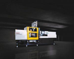 Die Zwei-Komponenten-Maschine Fanuc Roboshot S130iA-SI-20A-2 stellt auf dem Fanuc-Messestand der K 2019 die Eiskratzer aus PC/ABS und TPE her. Werkzeugtechnik und Index-Dreheinheit kommen von Weber. (Foto: Fanuc)