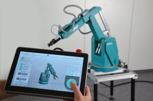 Ein einfacher und effizienter Ansatz für die Automatisierung der Kleinstteileproduktion: Industrieroboter HORST von fruitcore robotics. (Foto: fruitcore robotics)