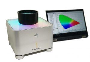 Überarbeitetes Labor-Spektralphotometer ColorCube: Misst Rohgranulat, Compounds und anderen Schüttgütern. (Foto: Colorlite)