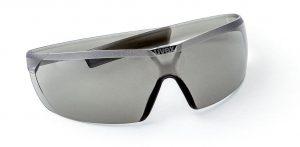 Einteilige spritzgegossene Schutzbrille aus PA 12. (Foto: Ems-Chemie)