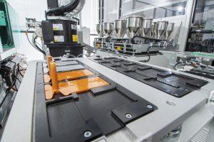 Als nach eigenen Angaben weltweit einziger Hersteller ist Lanxess in der Lage, die Hitzestabilität von Eisenoxidpigmenten in kundenspezifischen Rezepturen automatisiert zu testen. (Foto: Lanxess)