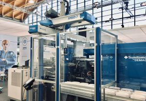 Eine der beiden Automationszellen auf dem Sepro-Stand wird mit einer Sumitomo-Demag-Spritzgießmaschine ausgerüstet, in die ein SDR-Speed-7-Roboter integriert wird, der in weniger als 1 s Einlege- und Entnahmevorgänge im Werkzeugraum ausführt. (Foto: Sepro)