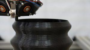 Mit der Granulatextrusion bietet Weber eine Lösung zur additiven Fertigung großvolumiger Kunststoffbauteile. (Foto: Weber)