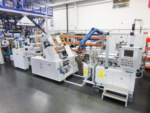 Die Mehrschicht-Folienanlage erlaubt die Herstellung von Dreischichtfolien bis zu einer Foliendicke von 1 mm. (Foto: Ems-Chemie)
