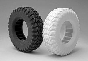 Die neuen Copolyester von Evonik sind je nach Anwendung in weiß oder schwarz erhältlich. (Foto: Evonik)