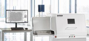 Das auf Röntgen basierende offline Inspektions- und Analysesystem detektiert metallische Kontaminationen im Kunststoffgranulat. (Foto: Sikora)