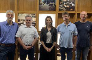 Das Projektteam der Pilotanlage: Andrea Lugli (Director Operations, Lati), Emanuele Falavena (Coperion), Dr. Michela Conterno (CEO, Lati), Lorenzo Lambertini (Engineering, Lati) und Massimiliano Baroffio (Electrical Maintenance, Lati). (Foto: Coperion)