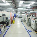 Das Technyl-Innovationszentrum in Lyon mit moderner Ausstattung für Bauteilprüfungen. (Foto: Solvay)