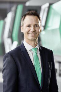 """Marcel Spadini, Geschäftsführer der Arburg AG, Schweiz: """"Auf der Swiss Plastics Expo zeigen wir, was Arburg als Branchenvorreiter zu Produktionseffizienz, Digitalisierung und Nachhaltigkeit bietet."""" (Foto: Arburg)"""