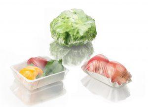 Mit der hochtransparenten Stretchfolie Nature Fresh können u. a. Fleisch, Meeresfrüchte, Obst und Gemüse manuell oder maschinell verpackt werden. (Foto: BASF)