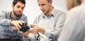 Vibracoustic entwickelt NVH-Komponenten, die in das E-Chassis integriert sind, wie Buchsen, Hilfsrahmenlager, Federbeinstützlager und Motorlager. (Foto: Vibracoustic)