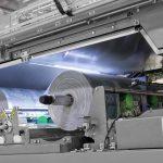 Der Schrumpffolienpacker Innopack Kisters SP A-H ermöglicht eine im Markt bisher unerreichte Qualität der Schrumpffolienverarbeitung mit einem nahezu faltenfreien Ergebnis. (Foto: KHS)