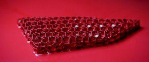 Die 3D-gedruckten Sichtbauteile der Komfortschicht können unterschiedlich eingefärbt werden. (Foto: Porsche)
